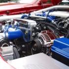 Welke auto onderdelen vind je onder de motorkap?