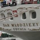 De Dar Mlodziezy, zusterschip van de Mir