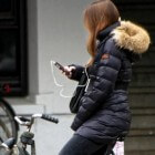 Verbod op een mobiel apparaat voor fietsers