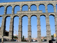 Een Romeins aquaduct in Segovia (Spanje) / Bron: Phil Moore , Wikimedia Commons (CC BY-2.0)